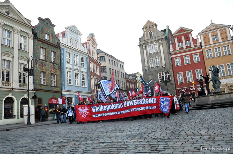 Galeria: Na Marszu Zwycięstwa kibole oddali hołd powstańcom
