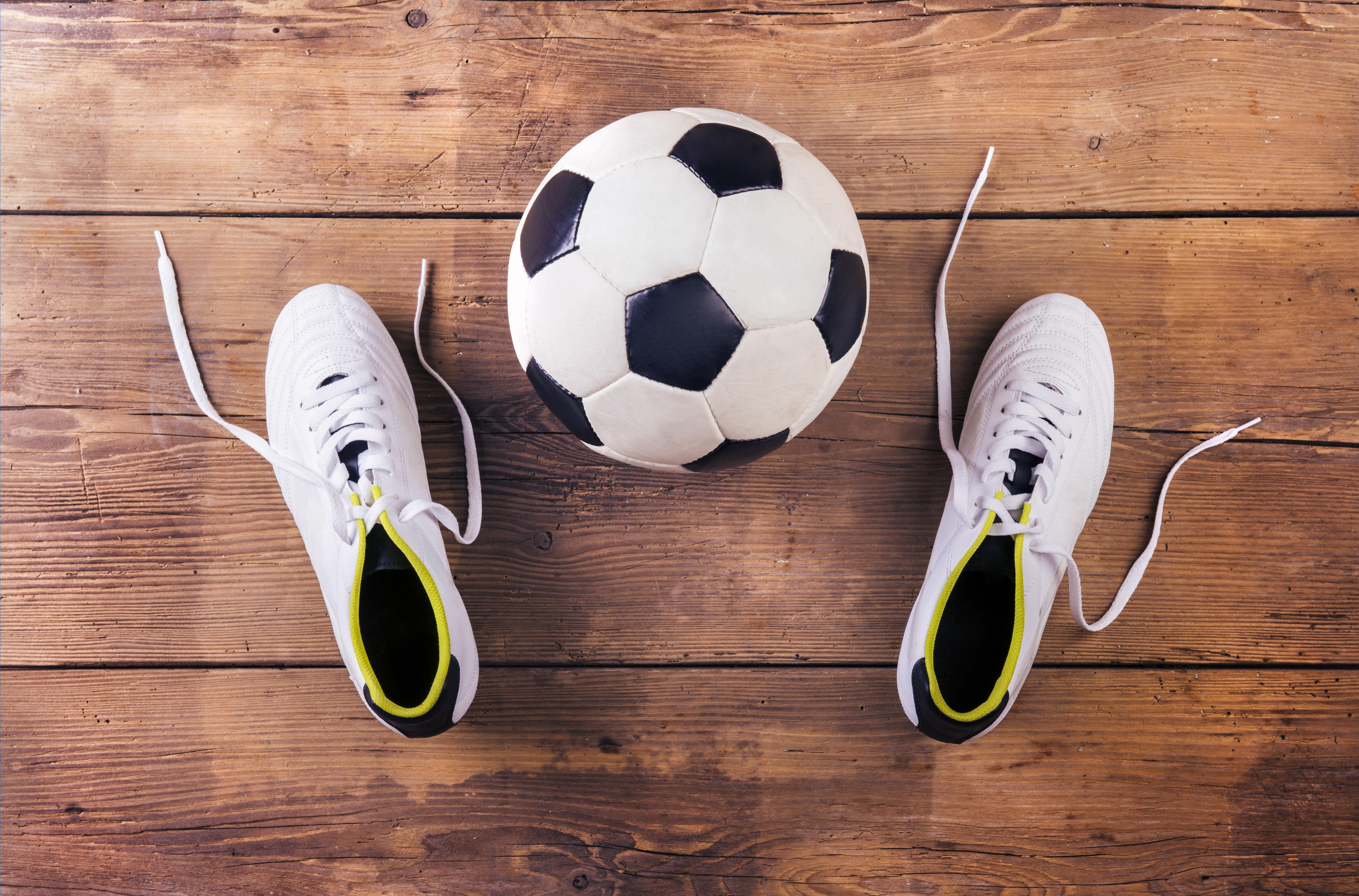 Jakie buty na halę do piłki nożnej?